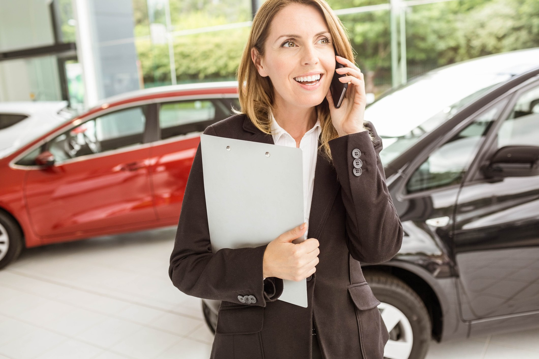 AllComm Auto's All-in-One Communication Platform: The Best Auto Dealership Cloud Phone and Call Tracking System